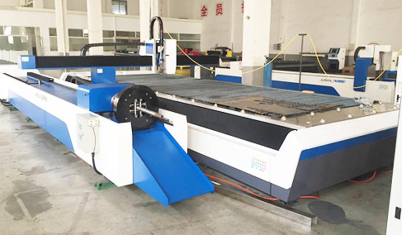 เครื่องตัดเลเซอร์งานแผ่นและงานท่อ / Fiber Laser Sheet&Tube กำลัง 1000 W